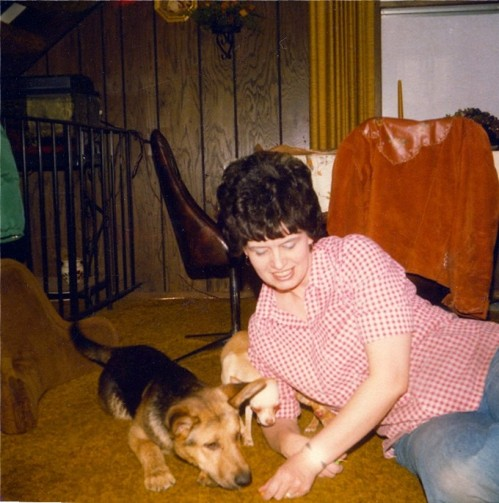8mom with barney